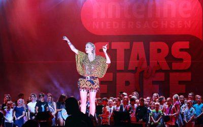 Stars for free – 17 500 Fans feiern auf der Plaza