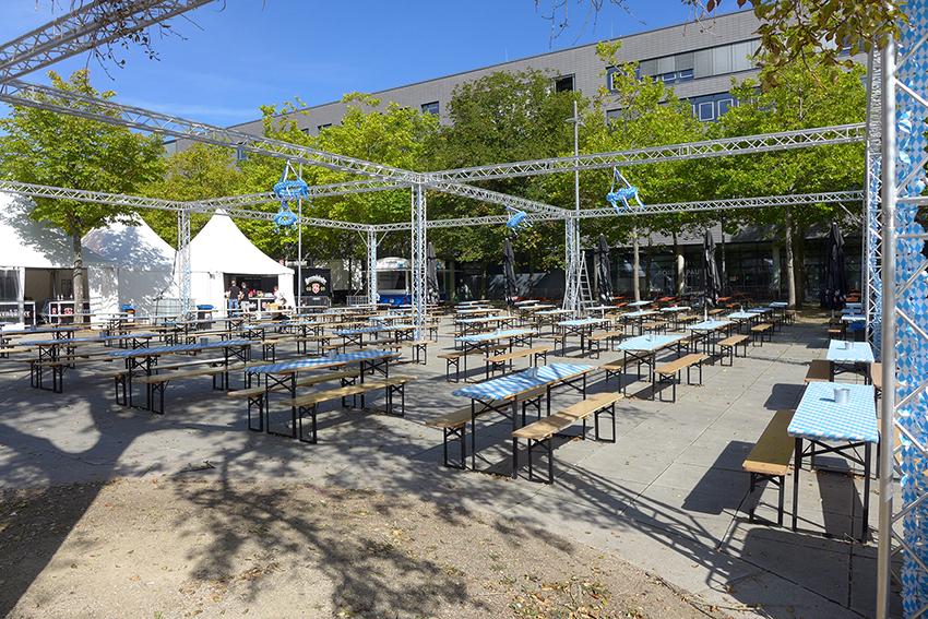 Oktoberfest: Schunkeln auf der Plaza
