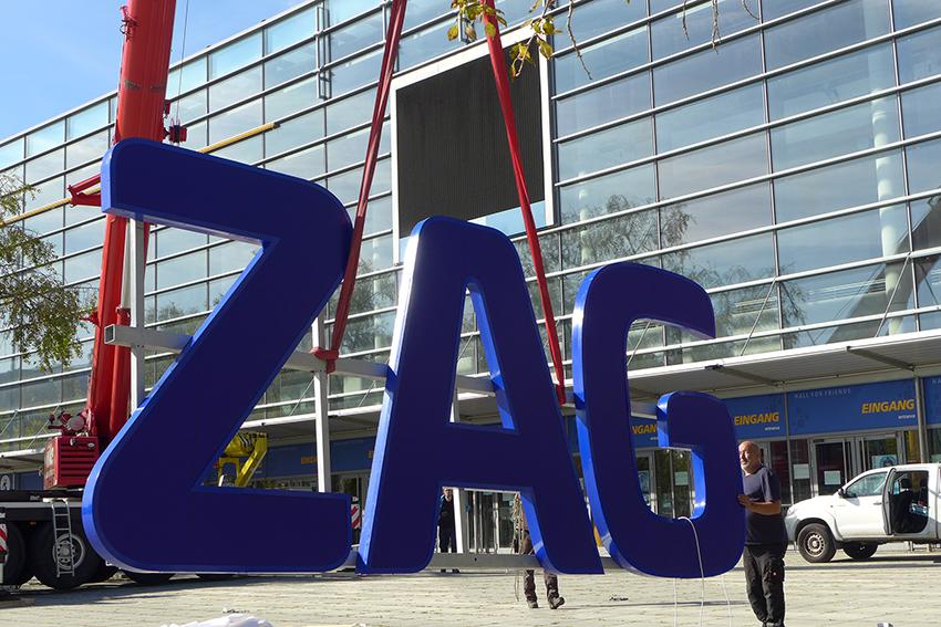 ZAG-Logo hängt